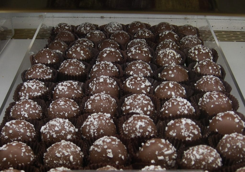 Raw organic dark chocolate is a natural medicine to reduce inflammation.